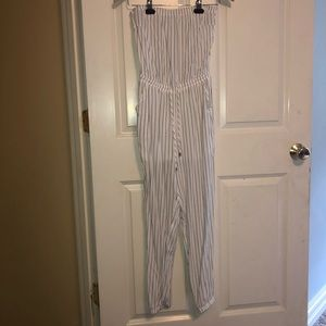 Pants - White jumpsuit with gray stripes